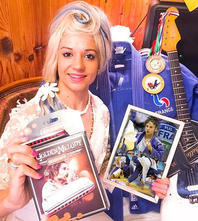 Rachelle Plas Victory's Way Music chanteuse soul rock blues dance harmonica guitare harmoniciste chant guitariste auteur compositeur interprète singer author composer guitar harp music live artist
