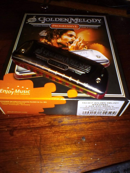 Rachelle PLAS on Golden Melody's packages by HOHNER