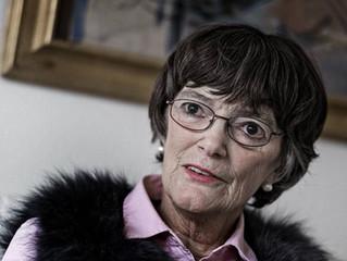 Forfatteren og Journalisten Jane Aamund er død – 82 år