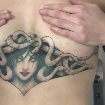 Medusa Underboobs