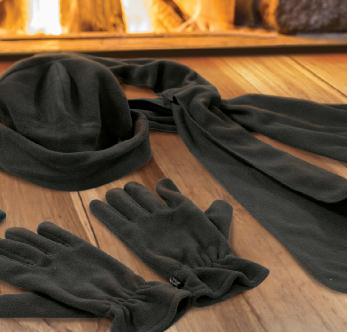 Seattle Scarf and Gloves Set Lifestyle.j