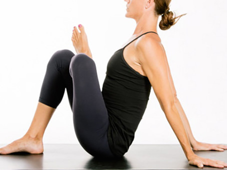 """These Hip-opening """"gate"""" Stretches Are Key To Mobility In Your Workouts"""