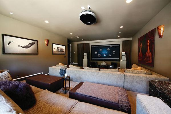 Domácí kinosál v inteligentním domě