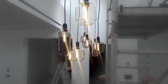 Světla v showroomu
