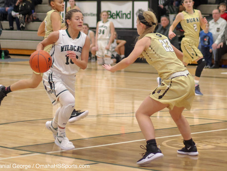 In pictures: Wildcat girls claw at Bulldogs late, advance to A-5 finals
