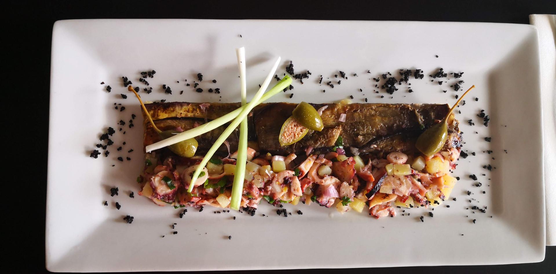 Salade de poulpe et tatin d'aubergine