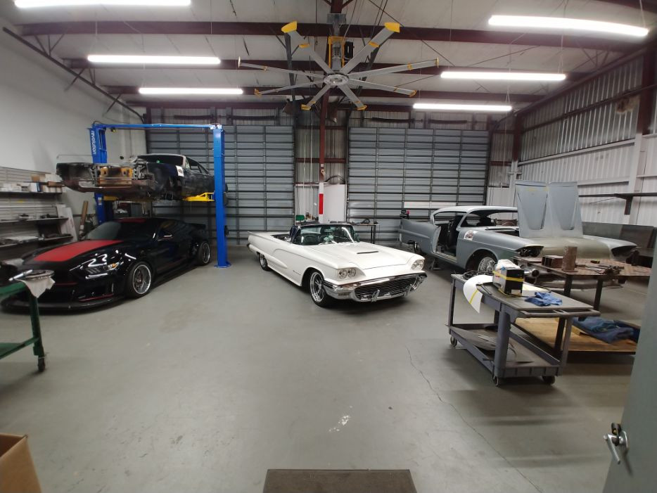 Inside Our Shop Picture 3