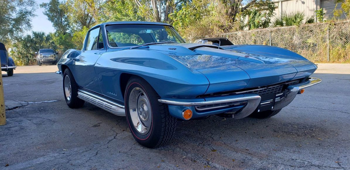 1967 Corvette - High-End Paint Body.jpg