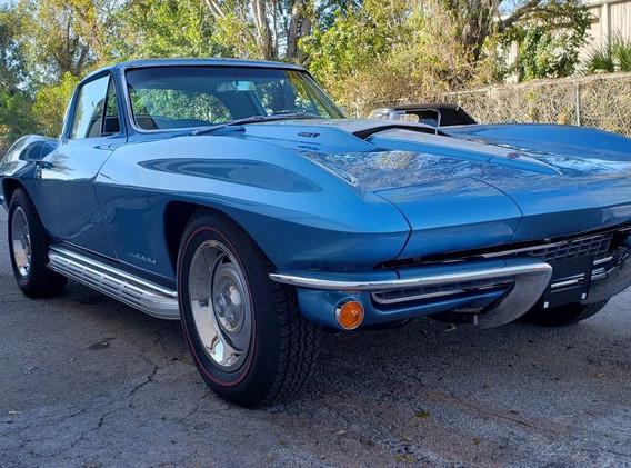 1967 Corvette - High-End Paint Body.jpg