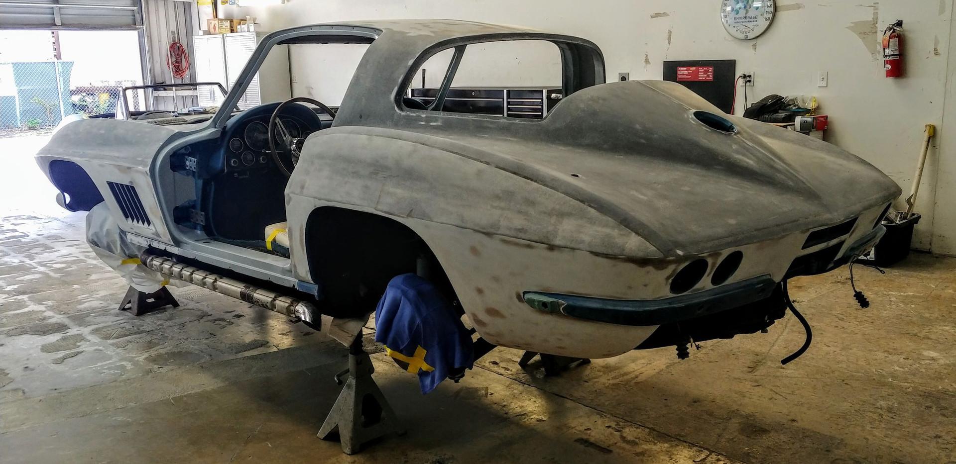Stipped Down 1967 Corvette