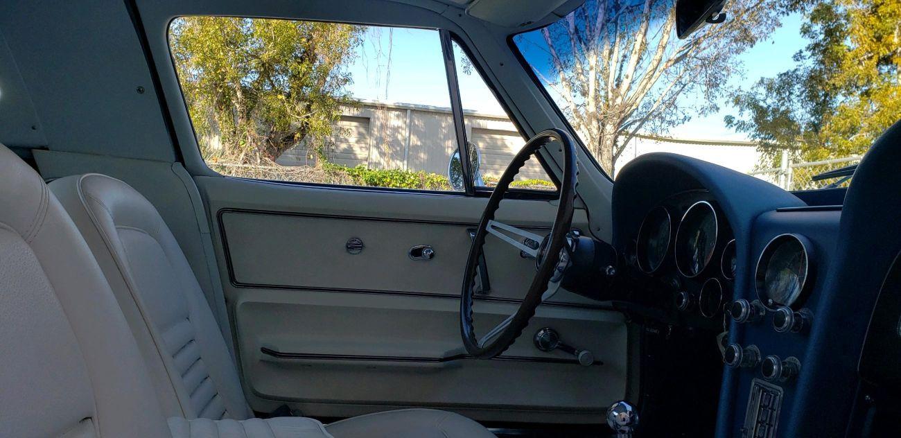Custom Interior 1967 Corvette Naples