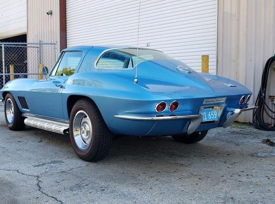 1967 Corvette Blue Paint.jpg
