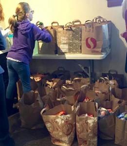 Winter break food drive for Stephens Creek Crossing