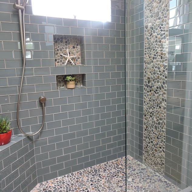 -glass-tile_bathroom-tile.jpg