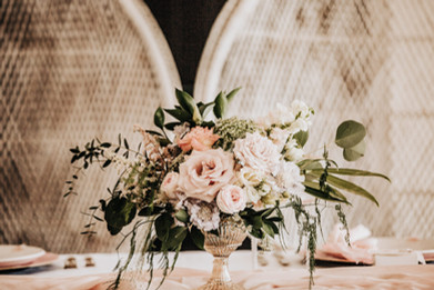Blush tones for top table flowers