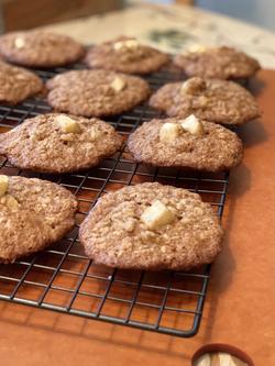 Apple Cinnamon Oat Cookies