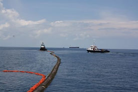 Ecopatrol_1_Hoses from the monobuoy whic