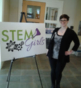 Arkansas STEM Girls Graphic Design Intern Teighlor Chaney