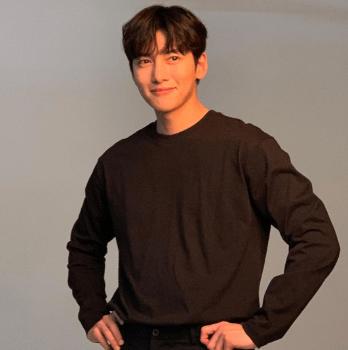 韓国 俳優 髪型