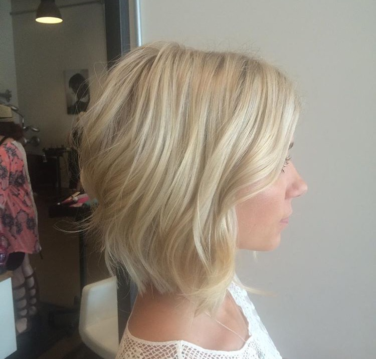 Mint salon blonde long bob highlight