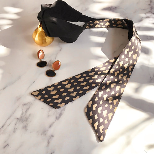 Chloe warm Grey Geometric heart print Knot-tie Headband