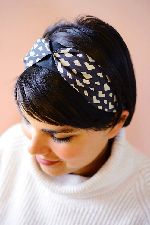 Chloe Warm Grey Graphic Heart print Headband