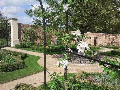 Ethno Flora Ethnoflora Garden maintenance advice pruning