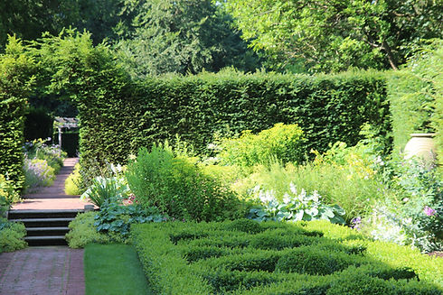 Ethno Flora garden maintenance hedges pruning lawn