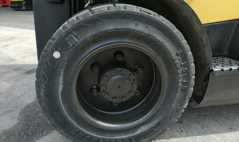 Prednje gume