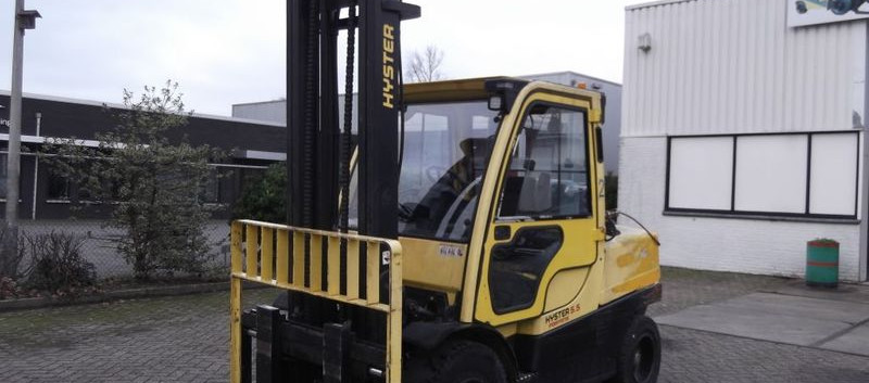 Hyster viljuškar 5500 kg nosivosti BROJ TT923