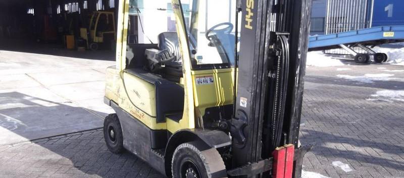 Hyster viljuškar 2500 kg nosivosti BROJ TT916