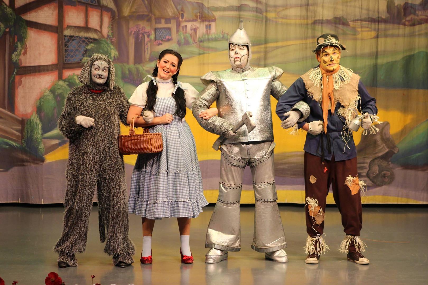 Wizard Of Oz Cast - Theatre Tour