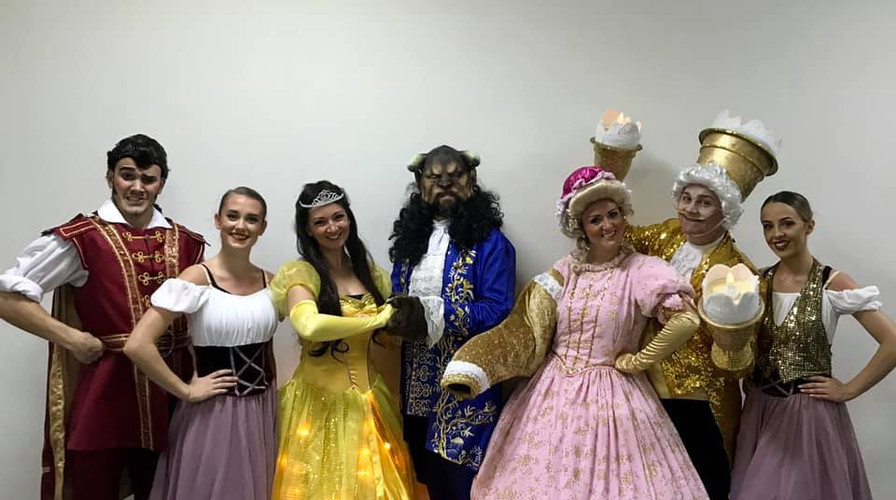 Beauty & The Beast Cast Oman 2018
