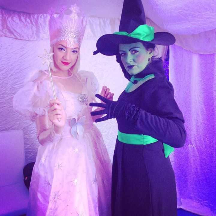 Glinda & The Wicked Witch Oman 2016