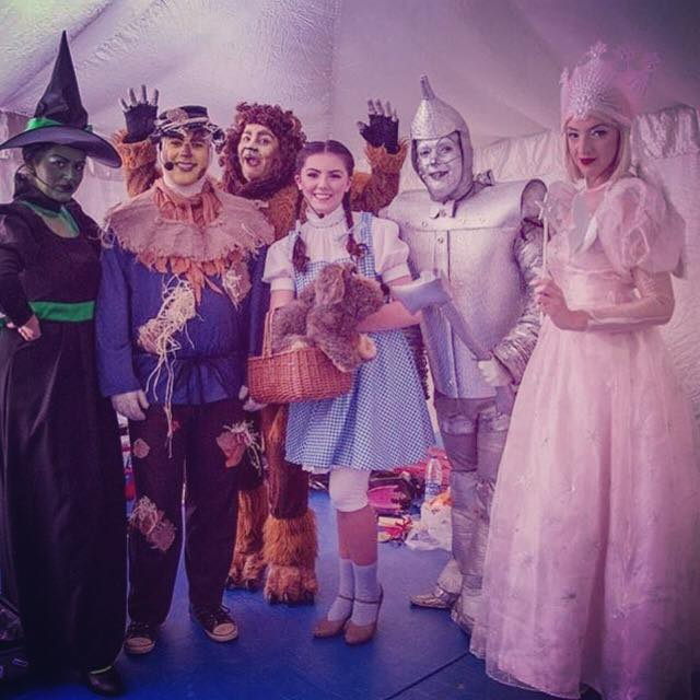 Wizard Of Oz Cast, Al Mouj, Oman