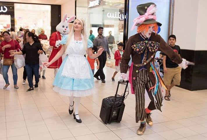Alice In Wonderland Performers, Shopping Mall, Oman 2019