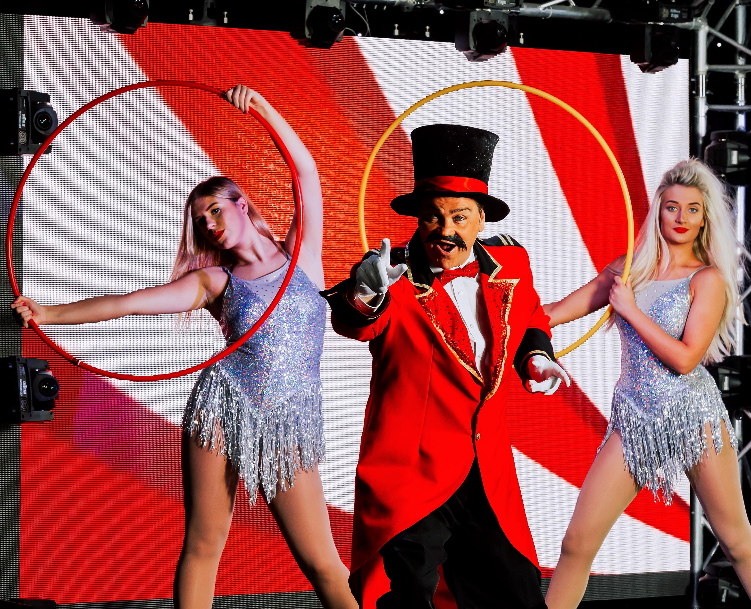 Circus Ringmaster & Dancers