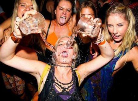 חמש עצות מעולות למקרה שאתם עורכים מסיבת סילבסטר בבית