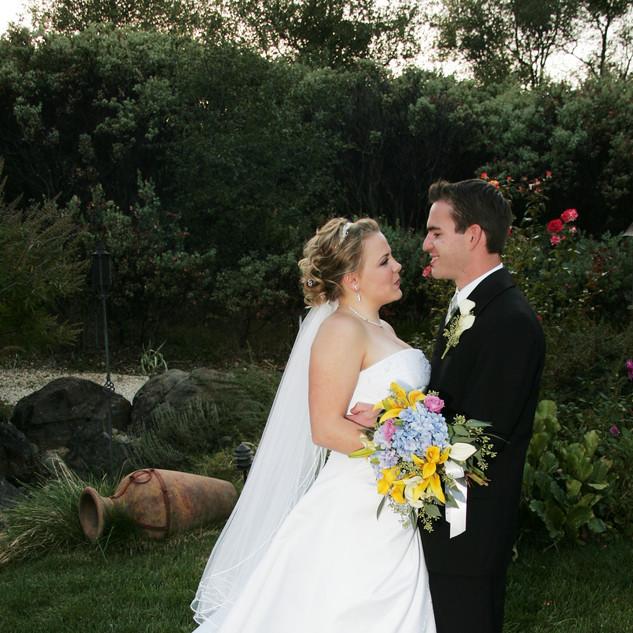 JASON & CICI WED 11-8-05 379.jpg