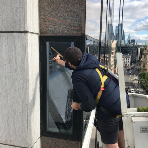 bromley window cleaner