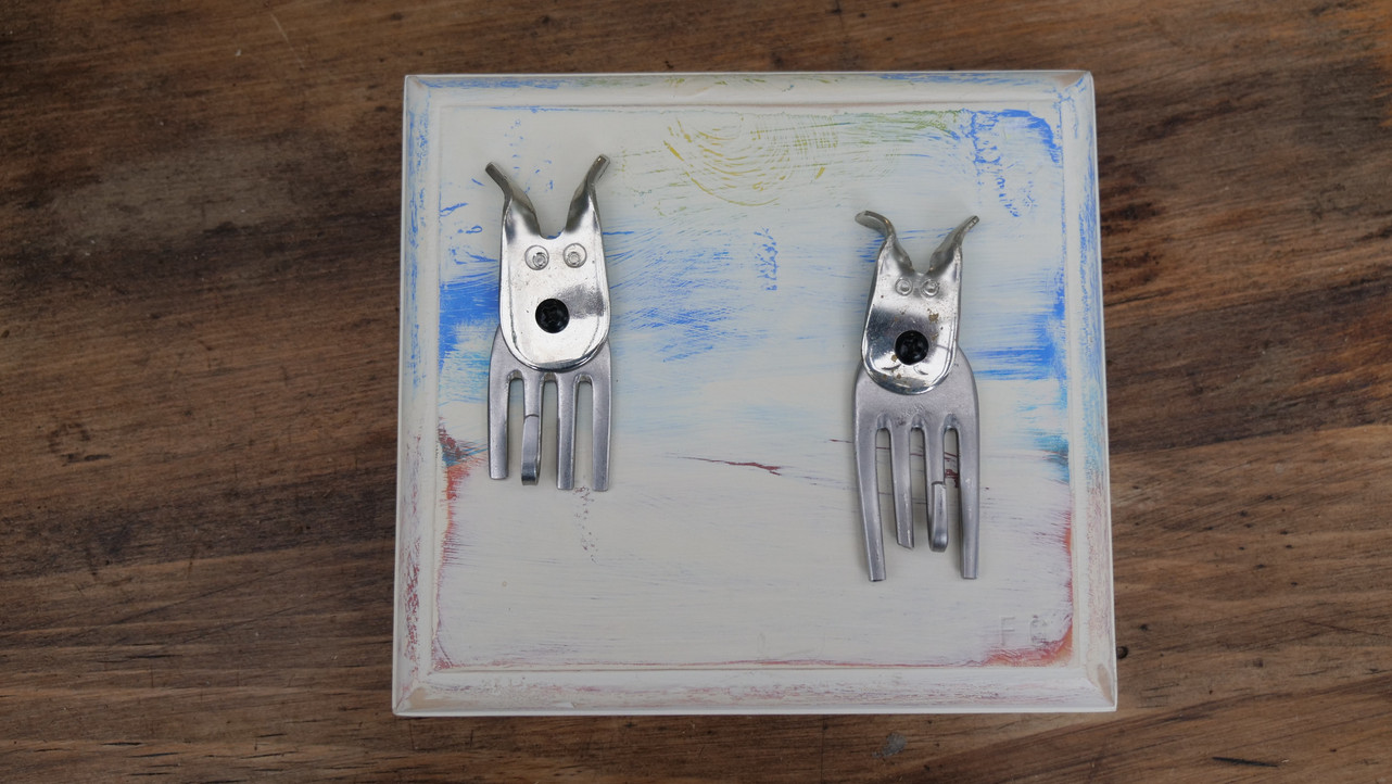 Two Dogs Keyrack