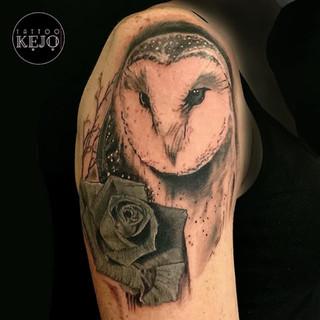 tatouage-chouette-et-rose-mars-2021.jpg