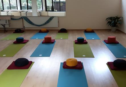 Yoga Raum_Love.png