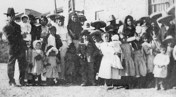 group of epople 1800's.jpg