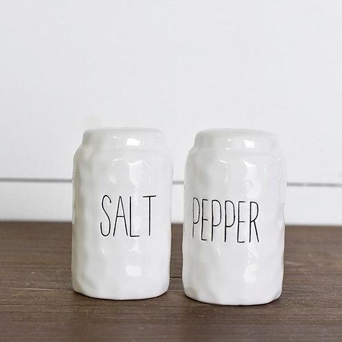 Salt + Pepper Shaker Set