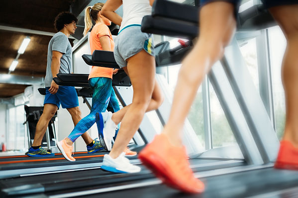 Picture of people running on treadmill i