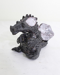 Raku dragon sittong