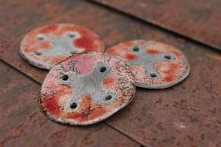 Red raku buttons