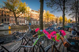 amsterdam-1089647_1920.jpg