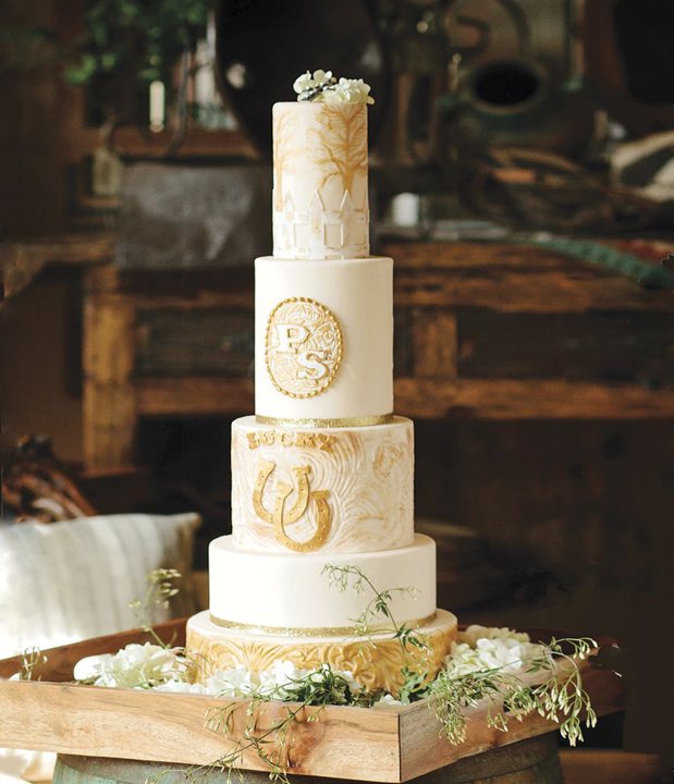 Elegant Western Country Wedding Cake by Pretty Sweet | Floral design by Visual Impact Design | Emik Nikora Wedding Photographers